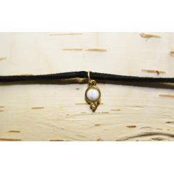 Collier de cuir ras-de-cou Pierre blanche