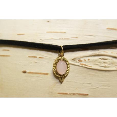 collier ras de cou rose pale