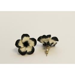 Boucles d'oreilles Fleurs  Blanches et noires