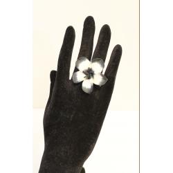 Bague Fleur Blanche et noire