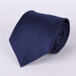 Cravate bleue avec rayures
