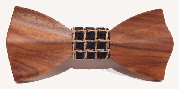 Maple wood bow tie